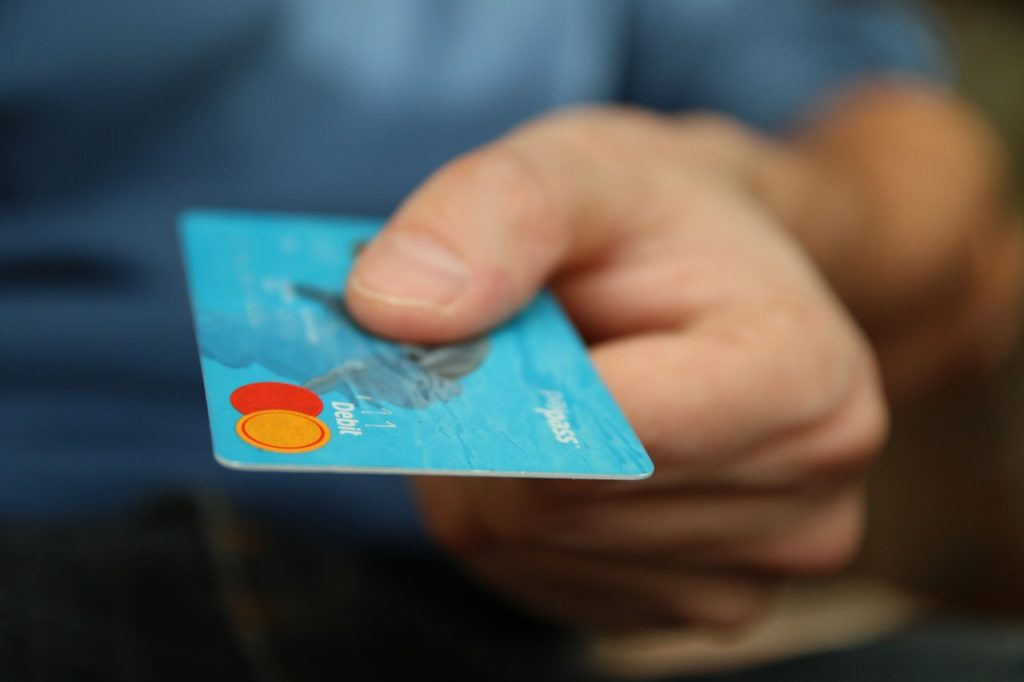 Attorney fee payment using credit card.   Can spouse pay?