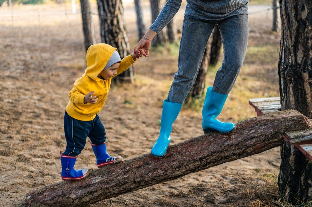 Helping a child through divorce